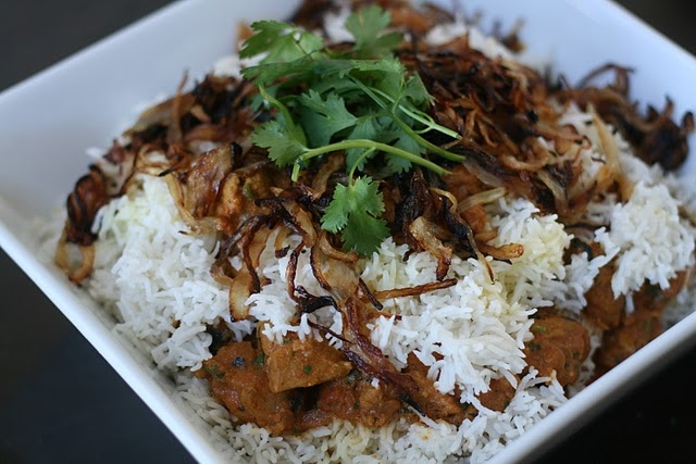 Салат из курицы с рисом по индийски