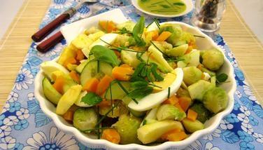 Салат из тыквы и брюссельской капусты